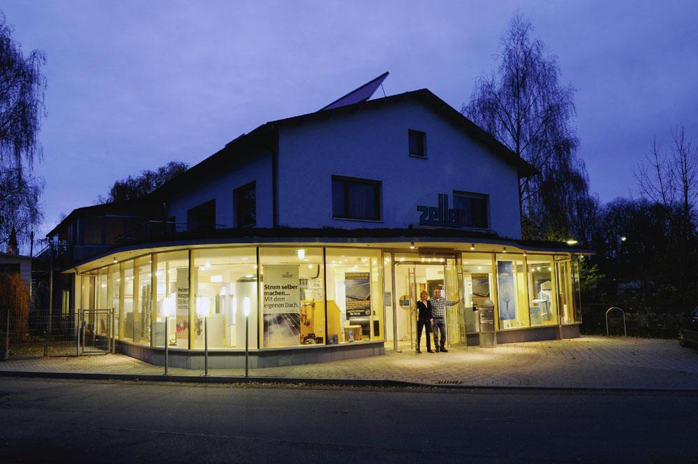 Ausstellungs- und Bürogebäude